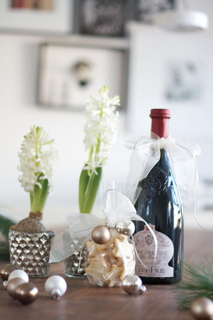 Mitbringsel_Hyazinthen mit Wein
