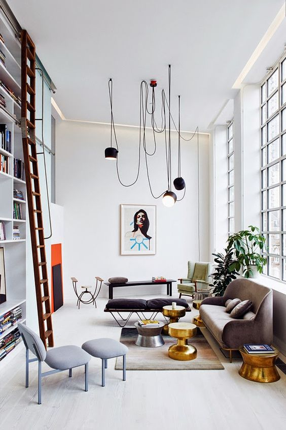 Livingroom large exposed wire construction