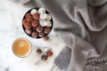 DIY Energy Balls mit Datteln und Cashews als Alternative zu den klassischen Weihnachtstrüffel - lindaloves.de DIY Blog aus Berlin