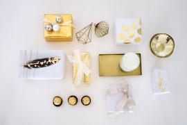 Elegante gold weiße Geschenkverpackung für Weihnachten_lindaloves.de DIY Blog aus Berlin