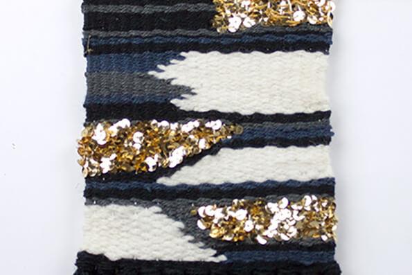 Exklusive Farbauswahl, blau gold und Pailetten im Webrahmen DIY Set von lindaloves.de