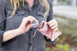 Upcycling Samt T-shirt basteln ohne nähen -DIY Blog lindaloves.de
