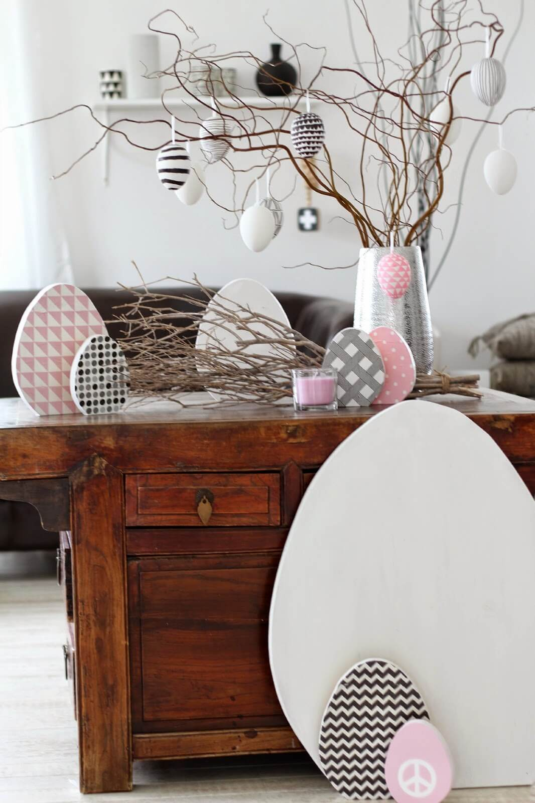 lady-stil-Ostereier-aussaegen-Interiorblog