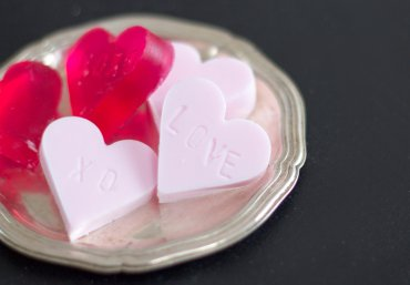SeifeI in Herzform selber machen Muttertag - Kosmetik DIY