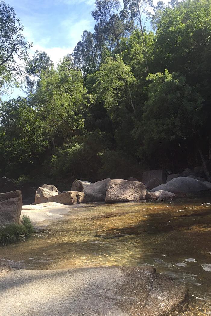 Fluss in Geres Nationalpark Portugal - D I Y Blog lindaloves