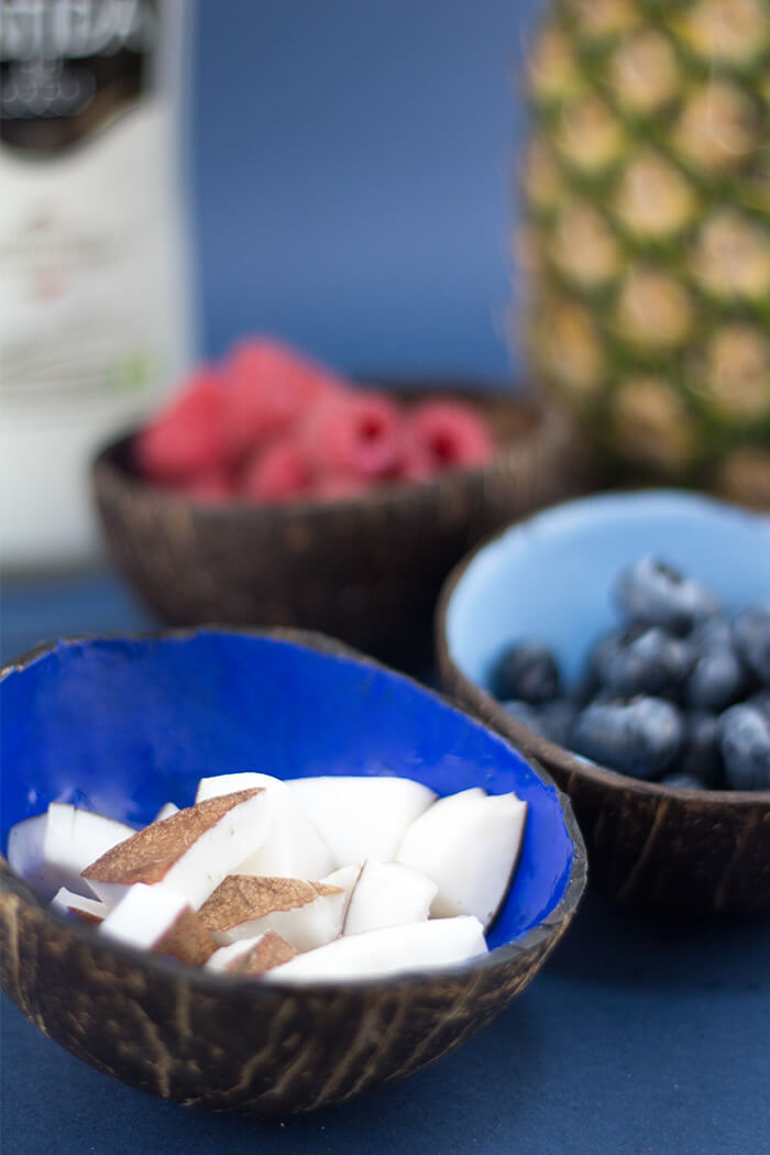 Kokosnuss Schüssel selber machen - Kokosnuss abschleifen und lackieren - DIY Blog lindaloves.de