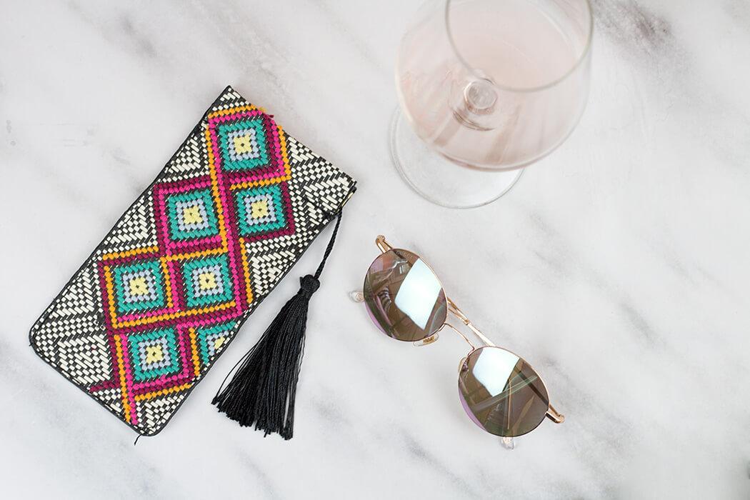 DIY Blog lindaloves.de - Stickideen für Anfänger - Brillenetui von H&M besticken