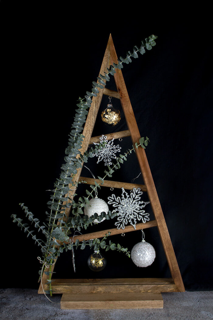 diy weihnachtsbaum mit eukalyptus linda loves diy blog diy. Black Bedroom Furniture Sets. Home Design Ideas
