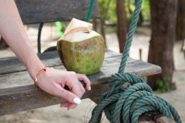 DIY Blog Quasten Armband selber machen Freundschaftsbändchen Schmuck DIY