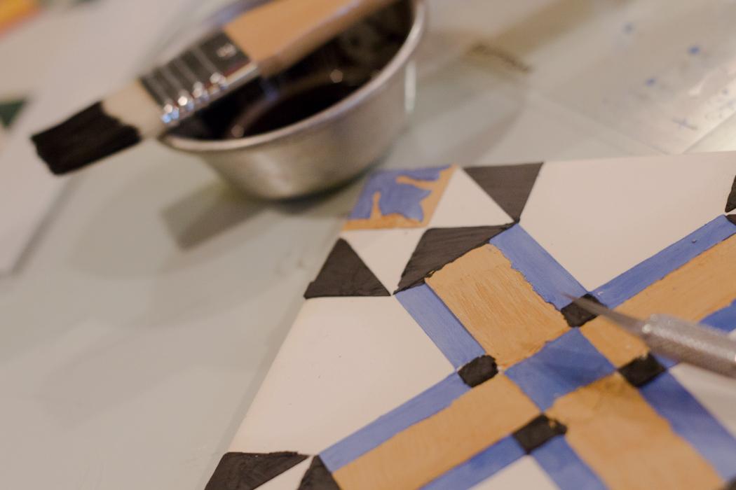 portugiesische fliesen bemalen diy workshop. Black Bedroom Furniture Sets. Home Design Ideas