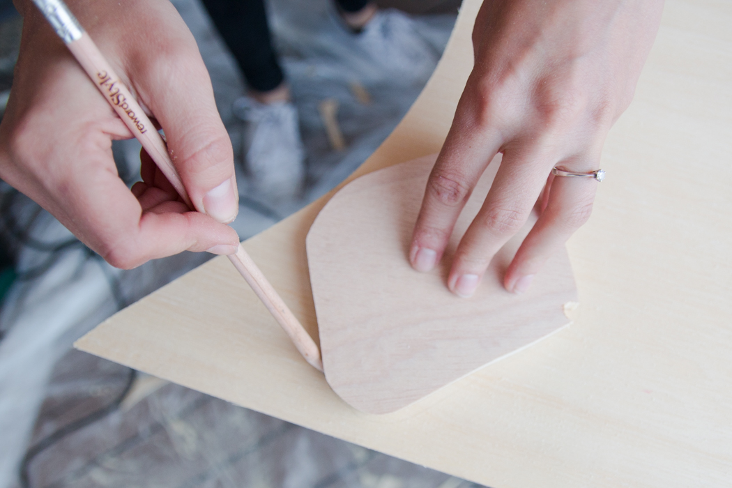 Anzeichnen - IKEA Hack Beistelltisch - DIY Blog lindaloves
