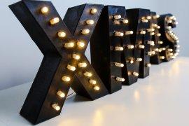 MARQUEE LETTER DIY - LEUCHTBUCHSTABEN INSPIRIERT VON IBIS STYLES - DIY Weihnachtsdeko, DIY Weihnachtsgeschenk, DIY Leuchtbuchstaben, Leuchtbuchstaben selber machen, DIY Buchstabe mit Lichterkette, LED Buchstaben selber machen